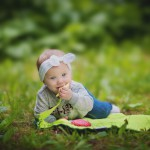 List v trávě